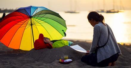 "Pantai Giri Emas Cocok Untuk ""TERASIRTAM"" (Terapi Panas Pasir Hitam)"